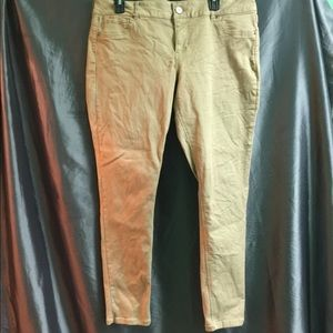 Maurice's skinny pants/jeggings in khaki